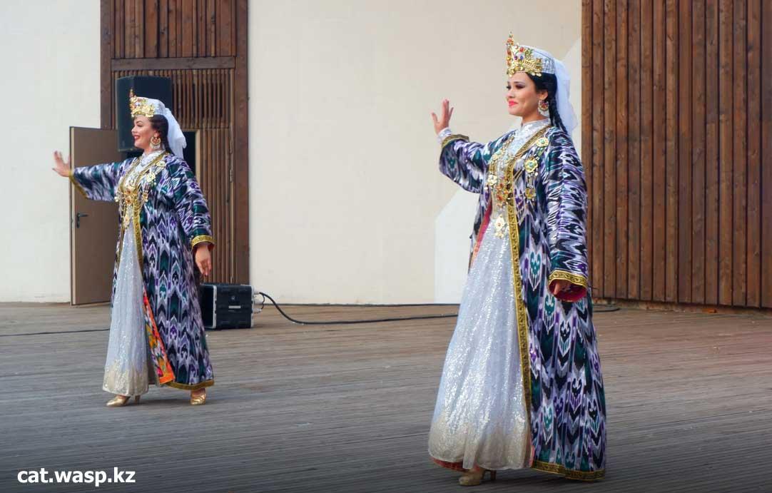 Дни узбекской культуры в России - танцы, костюмы, орнамент, косички, музыка